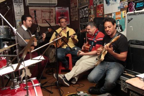 Ensayo del grupo Desorden Publico y C4 Trio para su proxima presentacion el 7 y 8 de Noviembre en el Teatro Chacao. Caracas,04-11 -2014 (WILLIAM DUMONT / EL NACIONAL)